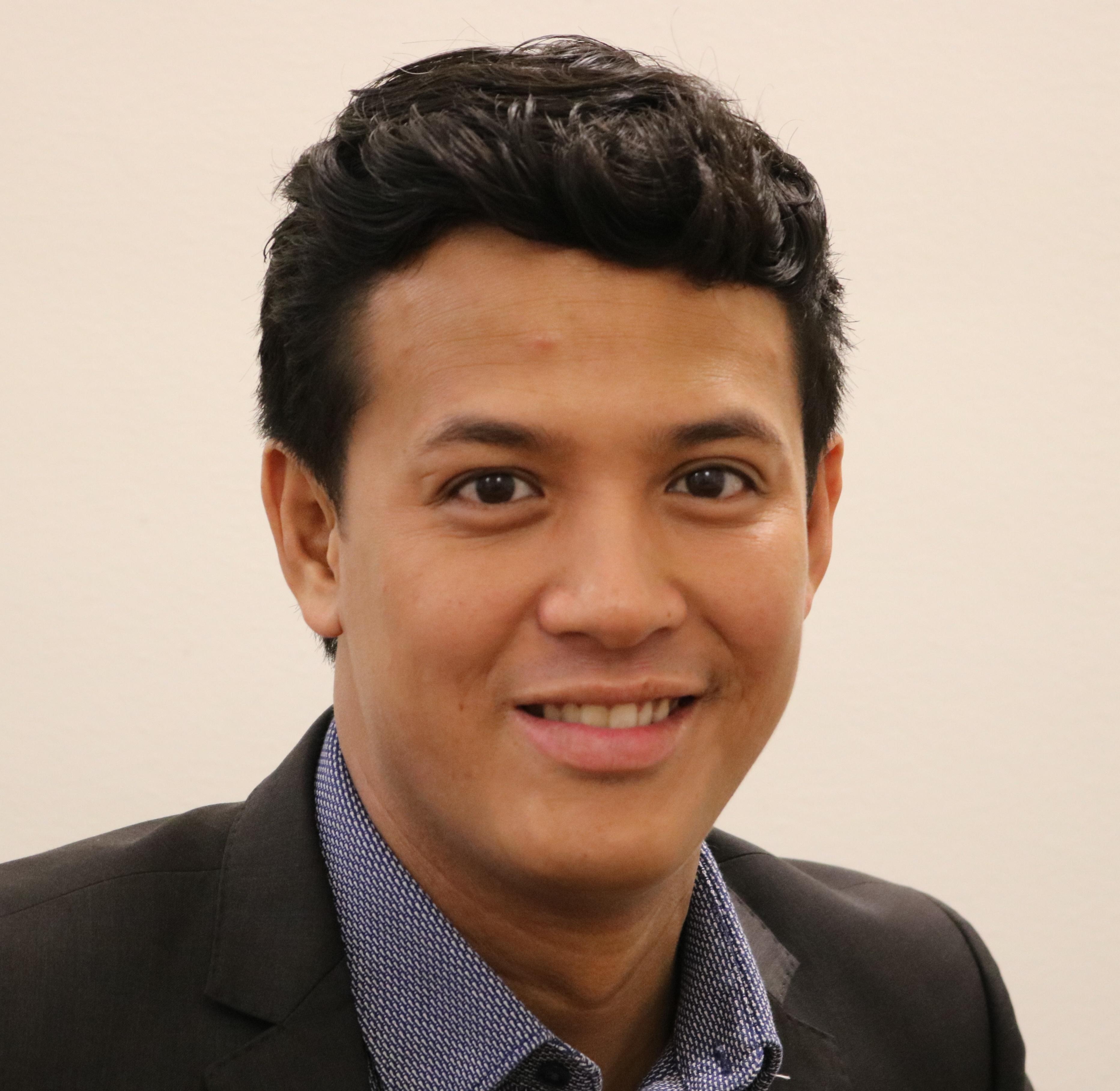 Consultant - Darrell Khohonggiem